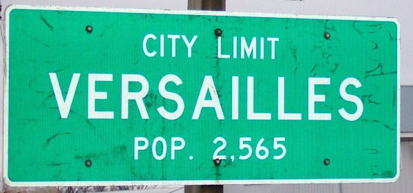 Versailles, MO road sign